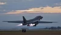 Amerikan savaş uçakları, Irak'ta onlarca kişiyi katletti
