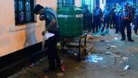 Bangladeş'te camideki Aşura yasına saldırı yapıldı: 1 şehid 80 yaralı