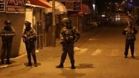 İşgal Güçleri Bu Sabah Batı Yaka ve Kudüs'te 10 Filistinliyi Gözaltına Aldı