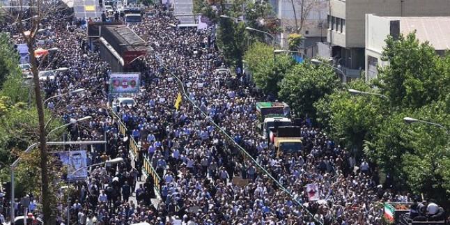 Foto: Tahran şehitleri son yolculuğuna uğurlandı