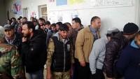Dera'da Suriyeli gençler orduya katılmayı kutladı