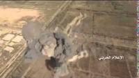 Video: Suriye Hava Güçleri, Deyrezzor'da IŞİD çetelerinin bir toplanma yerleri ve tankını imha ediyor
