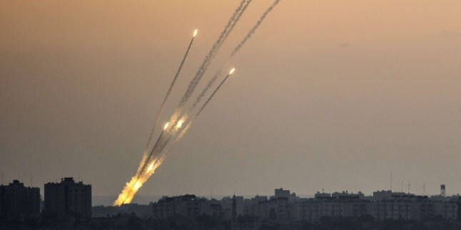 Direniş Güçleri İsrail'in Saldırılarına Cevap Verdi: 12 Yerleşim Birimi 30 Grad Füzesiyle Vuruldu