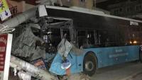 Mersin'de Belediye otobüsü kaza yaptı: 15 yaralı