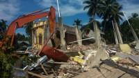Endonezya'da 6,4 büyüklüğünde deprem: 54 ölü