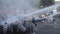 Ermenistan'ın başkentinde polisle göstericiler arasında çatışma