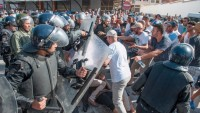 Fas'ta Halk Sokaklara Döküldü