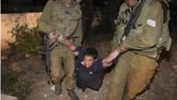 Kuduz Köpek İsrail Polisi Kudüs'te Sokak Ortasında Çocuklara Saldırdı