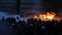 Fransa'da Sokak Çatışmalarından Dolayı Çok Sayıda Kişi Gözaltına Alındı