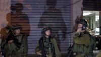 İşgal Güçleri Batı Yaka ve Kudüs'te 7 Filistinliyi Gözaltına Aldı