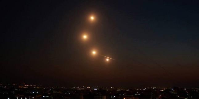 Siyonist İsrail'in Nakab Ve Askalan Kasabasının Sahil Bölgeleri Grad Füzeleriyle Vuruldu