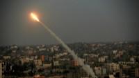 Gazze Direnişçilerin Attığı Füzelerden Bazıları Siyonist İsrail'in Eşkul Kasabasının Elektrik Santralına İsabet Etti