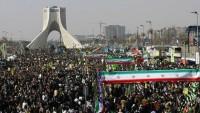 İran halkı devrime olan sadakatini yine gösterdi