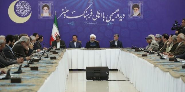 Ruhani: İranlılar hiç bir zaman zorbalar karşısında teslim olmaz