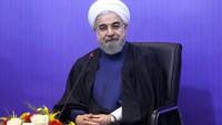 Ruhani: İran halkı, direnişiyle büyük hamasetlere imza attı