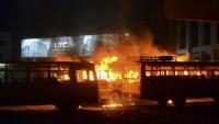 Hindistan'da 40 polis merkezi ateşe verildi