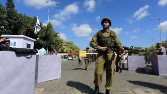 Siyonist İşgal Güçleri Batı Yaka ve Gazze Şeridi'ni Giriş Çıkışa Kapatıyor