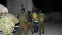 İşgal Güçleri El-Halil'de Filistinli İki Genci Gözaltına Aldı