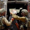 İşgal Güçleri Batı Yaka'da 12 Filistinliyi Gözaltına Aldı 