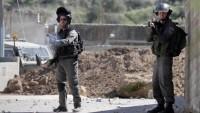 İşgalci İsrail askerleri 8 Filistinliyi gözaltına aldı