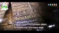 Video – İmam Humeyni: Allah Tebarek ve Teala İle Sizin Aranızdaki En Büyük Perde Yine Sizsiniz