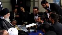 İran milletinin tecrübeleri geleceğin mümin gençlere ait olduğunu gösteriyor