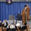 İmam Seyyid Ali Hamanei: Uzlaşı ehli olanlar bilsinler ki ABD, çöküş sürecindedir