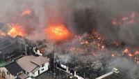 Japonya'da 140 bina alev aldı
