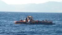 Midilli açıklarında iki göçmen botu battı