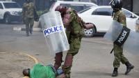Kenya'da polis protestoculara gerçek mermilerle ateş açtı