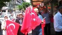 Kırıkkale'de şehit ailelerinden bayrak asma kampanyası