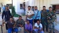 Hama kırsalı Al Bahsa köyü sakinleri, Suriye ordusu ile omuz omuza savaşıyor