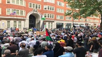 Londra'da Yüzyılın Anlaşması protesto edildi