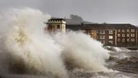 Meksika'da tropikal fırtına can aldı