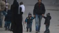 Gece yarısından sonra doğu Halep'ten 10 bin sivil ayrıldı