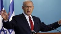 Siyonist Netanyahu, Hamas'ın Yeni Siyaset Belgesini Yırtıp Çöp Kutusuna Attı