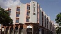 Teröristler Mali'nin Radisson hotelinde 138 kişiyi rehine aldı