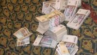 Özbekistan'da bazı devlet kurumlarında altı, bazılarında ise iki aydır maaş verilmiyor
