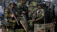 Pakistan polisi çetelerin elinde rehin kaldı