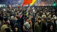 Romanya'da protestolar istifa getirdi!
