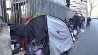 Paris'te polis, sığınmacı çadırlarını kaldırdı