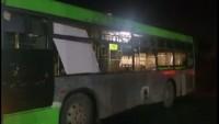 Teröristlerin Şam'a fırlattığı füze yolcu otobüsüne düştü: 9 yaralı