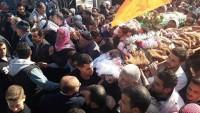 Filistinli İki Şehidin Cenazeleri Büyük Bir Kalabalığın Katıldığı Törenle Defnedildi