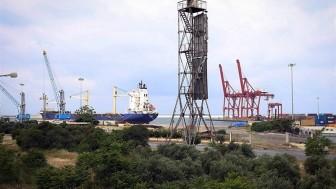 İran, Suriye'deki en büyük ticari liman olan Lazkiye limanını kiralamak için harekete geçti