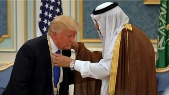Trump Suud'u hem aşağıladı, hem nasıl soyduğunu alay ederek anlattı