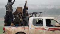 İdlib'de Heyet Tahrir Şam ve Ahrar Şam teröristleri birbirine girdi