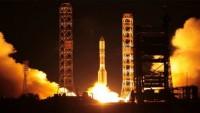 Hindistan, 20 uydu taşıyan bir roketi uzaya fırlattı