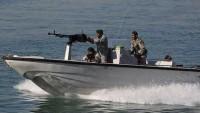 İran Hürmüz Boğazında Amerikan savaş gemisini muhasaraya aldı