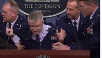 ABD'li general basın toplantısında bayıldı