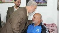 Yahya Es-Sinvar Suikasttan Kurtulan Ebu Naim'i Evinde Ziyaret Etti